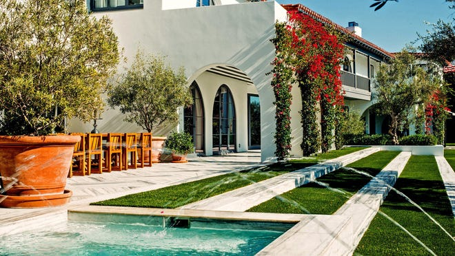 Lori Loughlin and Mossimo Giannulli sold their mansion in Los Angeles' Bel Air neighborhood for $18.75 million.
