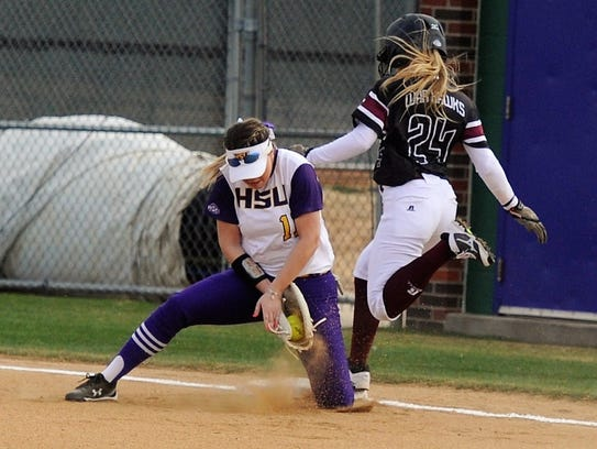 Hardin-Simmons first baseman Hillarie Carpenter (11)