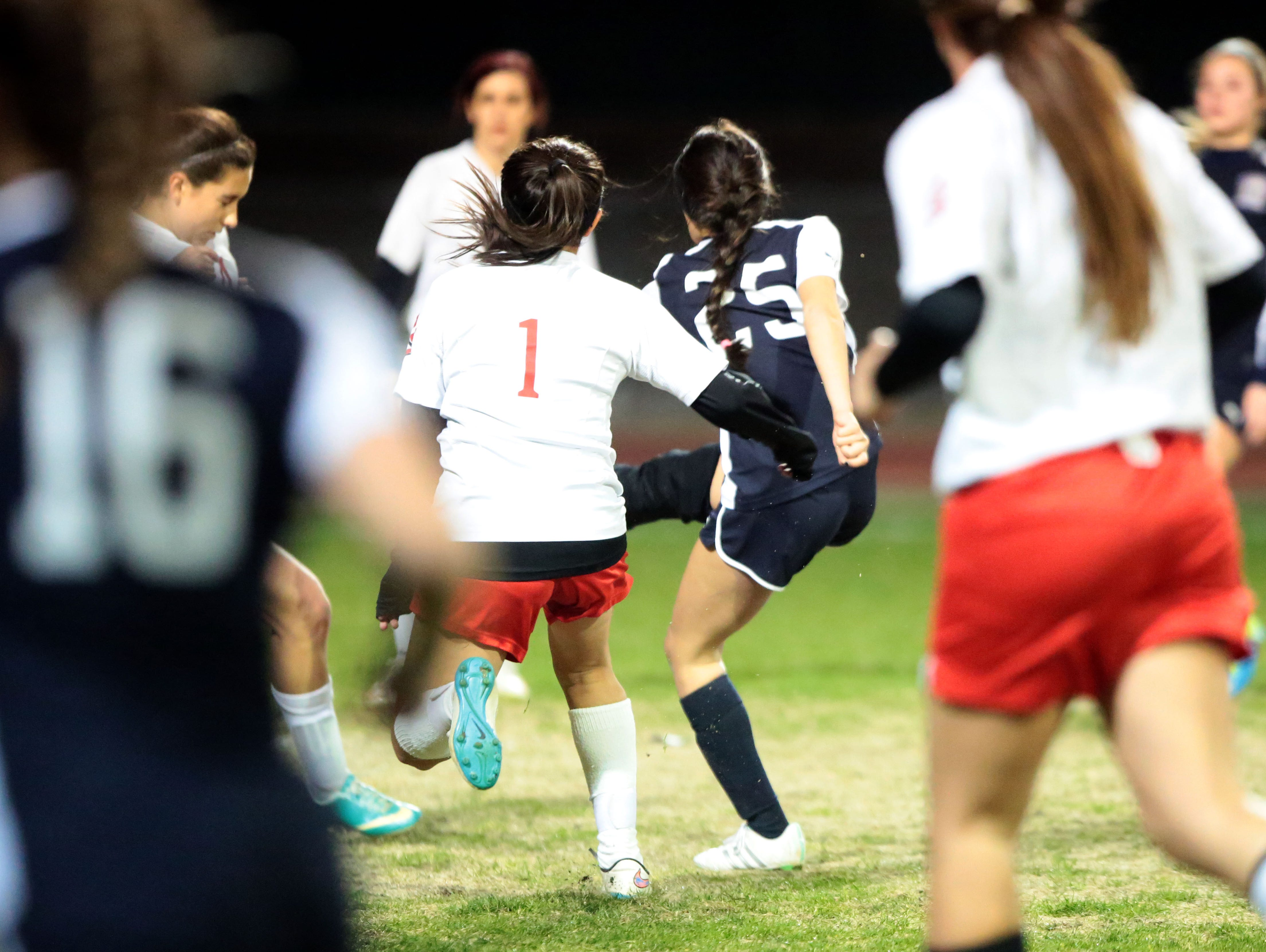 La Quinta's Tatiana Woodworth scores against Palm Springs in the first half on Tuesday, January 12, 2016 in Palm Springs