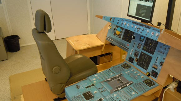 Airbus_flat-pack_cockpit_kit