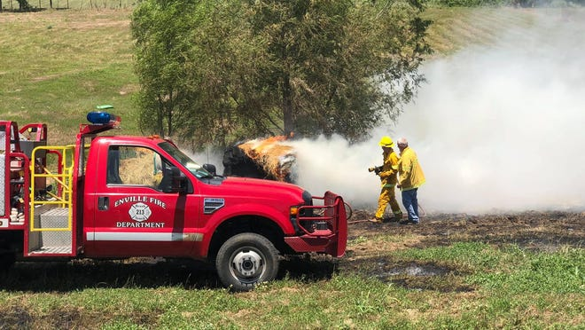 Multiple Love County fire departments and agencies responded to a brush fire on Tuesday near State Highway 32 and U.S. Route 77 in Marietta. Firefighters say conditions may be prime for high fire danger over the next few months.