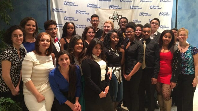 Youth Health Promotors receive award.