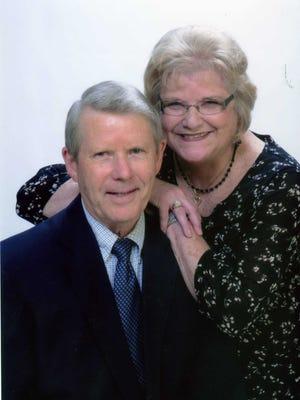 Lynn and Gloria Moll