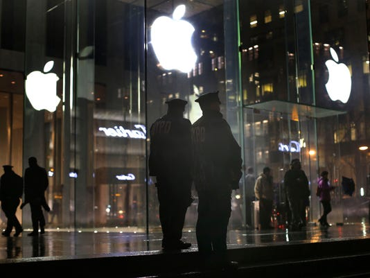 AP APPLE ENCRYPTION PROTESTS A F USA NY