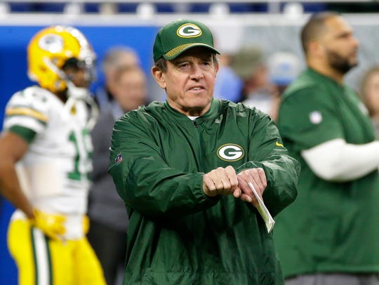 Green Bay Packers defensive coordinator Dom Capers