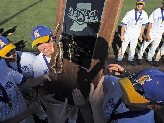 Crawfordsville seniors raise the state championship