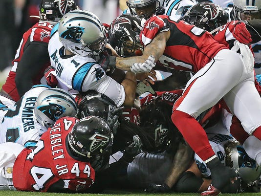 Panthers Falcons Foot_Prid