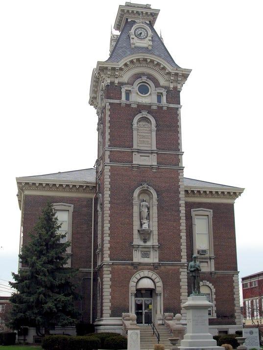 -sp news henry co courthouse.jpg_20060414.jpg