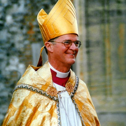 Bishop ushers in Holy Week at St. John's Episcopal