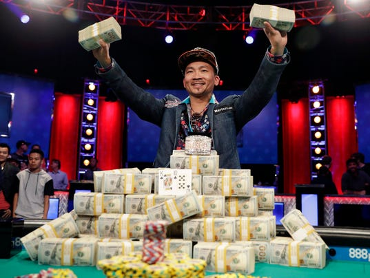 World Series Of Poker Qui Nguyen Wins Final Table Takes