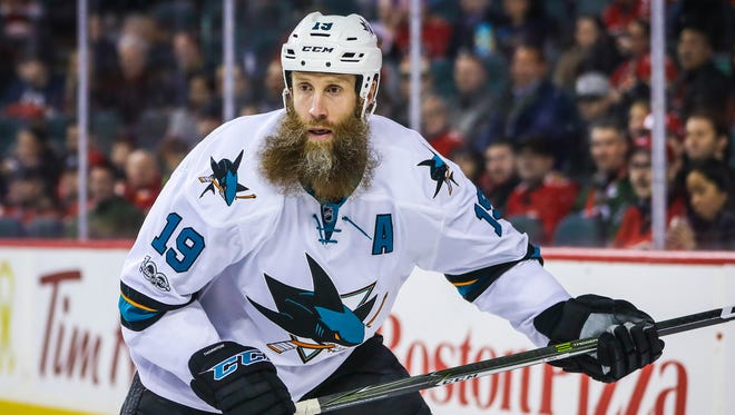 San Jose Sharks center Joe Thornton has re-signed with the team on a one-year deal.