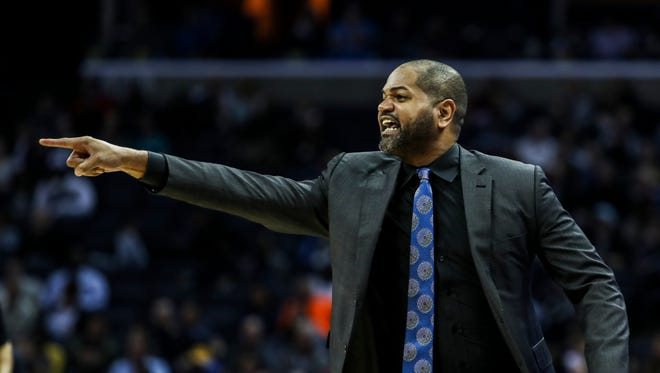 December 04, 2017 - Memphis Grizzlies' interim head coach J.B. Bickerstaff yells to his team during Monday night's game versus the Minnesota Timberwolves at the FedExForum.