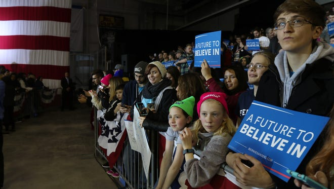 Many people brought their children to Bernie Sanders rally.