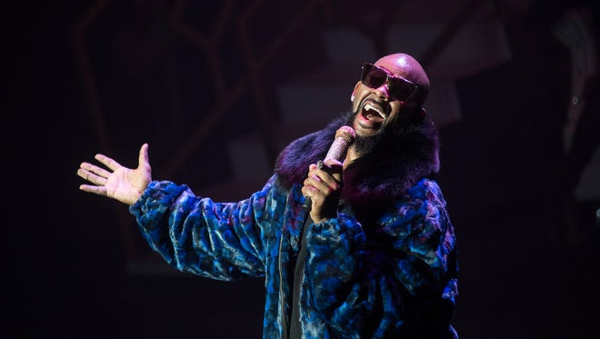 """R&B star R. Kelly returned to Milwaukee Sunday, as part of his """"Holiday Jam"""" tour."""