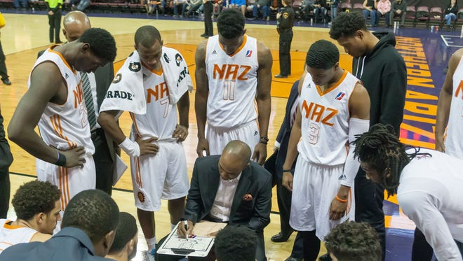 Ty Ellis coaches the Northern Arizona Suns during their game against the Reno Bighorns on Nov. 25, 2016.