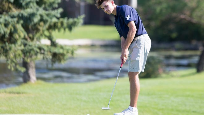 Roosevelt's Willis Gaer makes a putt during the Valley Classic at Briarwood Golf Course in Ankeny, Monday, Sept. 19, 2016.