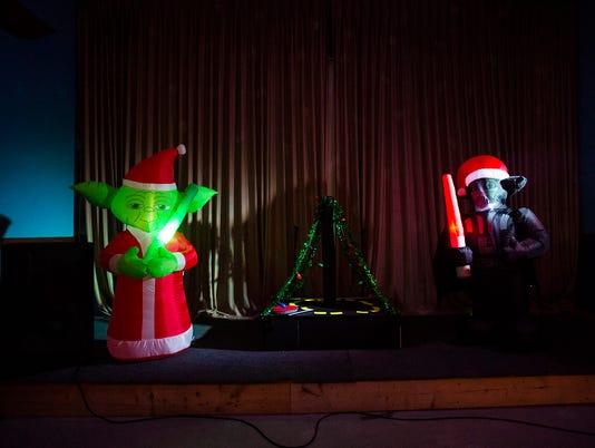 HES-SD-12182015-christmas-tree-wars-8.jpg