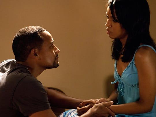 Kelly (Kerry Washington) and Donald (Hill Harper) in