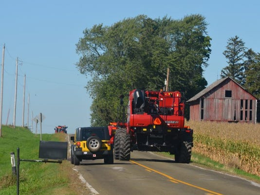 farm-equipment-road.JPG