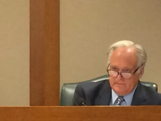 State Sen. Kirk Watson explains his open-government legislation in a Texas Senate committee.