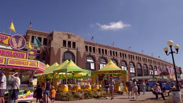 Two more acts announced for this year's Iowa State Fair Grandstand
