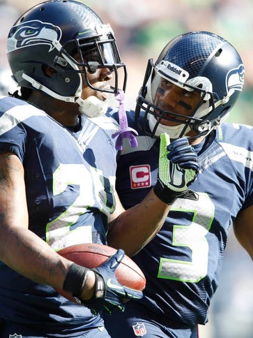 Seahawks RB Marshawn Lynch and QB Russell Wilson  (3)