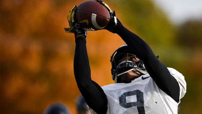 Missouri wide receiver Jalen Knox (9) catches the ball during practice Oct. 30, 2018, at the Kadlec Practice Fields.
