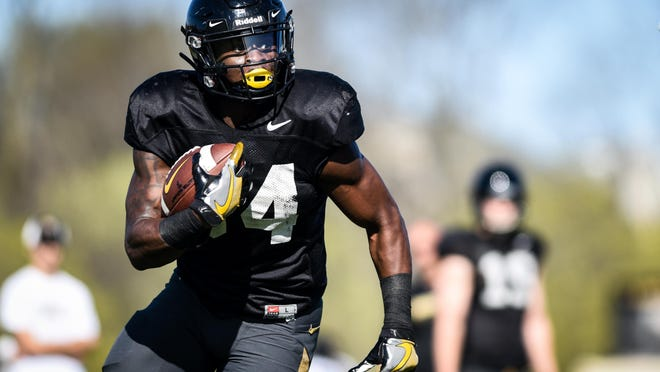 Missouri running back Larry Rountree III runs the ball during spring practice last year. The NCAA expects to finalize a plan Thursday to allow teams to conduct up to 12 walk-through practices during the 14 days before the typical preseason begins in August.