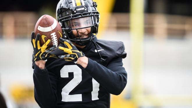 Missouri wide receiver Alex Ofodile catches a pass during spring practice at Memorial Stadium in April 2019. His playing days now over, Ofodile, a former Rock Bridge star, has joined the Hickman football coaching staff.