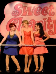 Kelly Clemenzi (center) stars in the Vero Beach Theatre