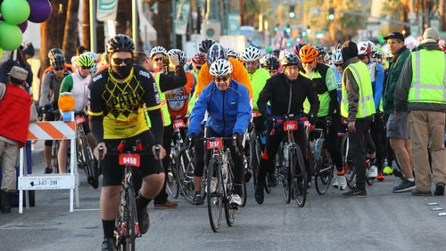 2017 Tour de Palm Springs kicks off on Palm Canyon in what will be the race's last start in Palm Springs. The race will be moving to Palm Desert in 2018.