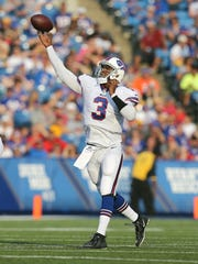 Bills quarterback EJ Manuel steps into this throw that found receiver Tobias Palmer for a 37-yard touchdown in a 43-19 win over Steelers.