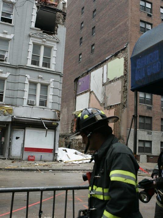 crane collapse scene.jpg