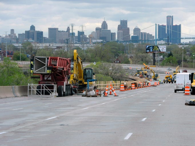 Construction continues in the southbound lanes of I-75