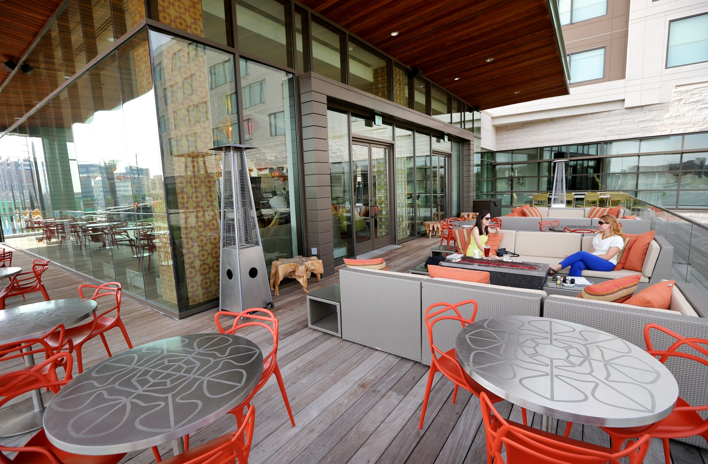 Restaurants with outdoor seating in Indianapolis