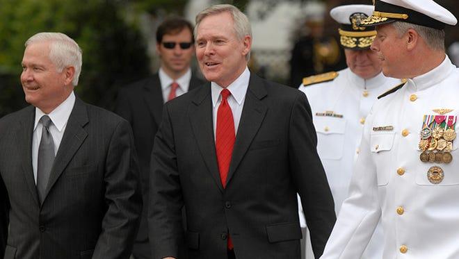 Navy Secretary Ray Mabus (center)