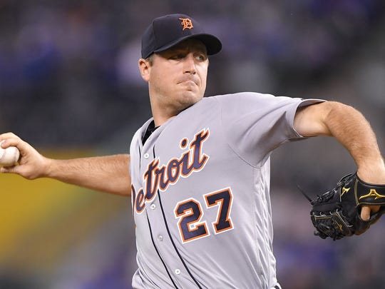 Tigers pitcher Jordan Zimmermann throws during the Tigers' 7-4 loss to the Royals on Wednesday, Sept. 27, 2017, in Kansas City, Mo.