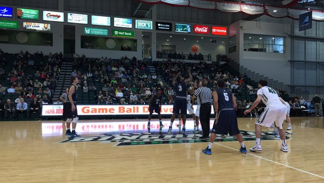 Binghamton University men's basketball hosted the University of New Hampshire in the Events Center on Saturday afternoon.