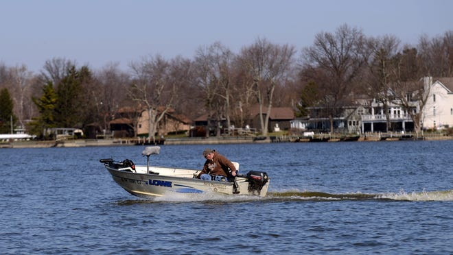 Ohio Department of Natural Resources designated an area where boats can travel at faster than idle speeds. The zone goes from Seller's Point to just west of Cranberry Bog State Nature Preserve.