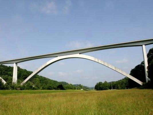 0608-w-bridge2.jpg