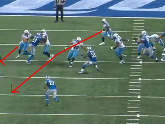 DeMarco Murray follow his blocks through a big hole on the right side.