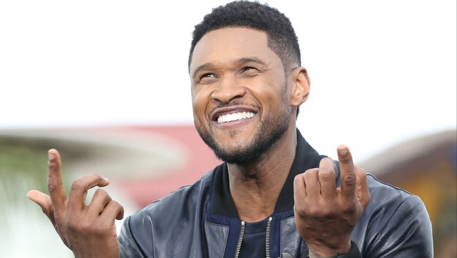 """Usher stops by the set of """"Extra"""" on May 6  in Hollywood, Calif."""