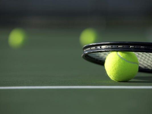 tennis racquet_ball_court
