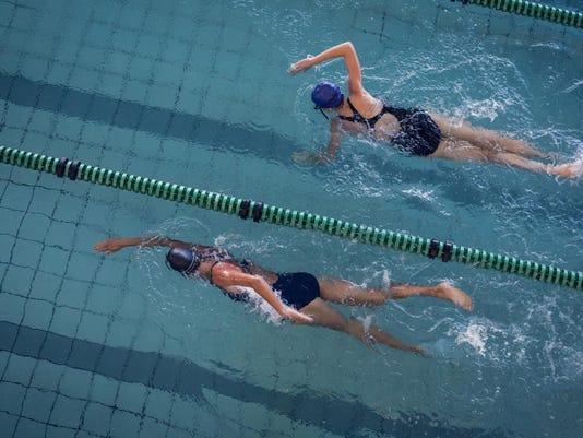swimming-girls
