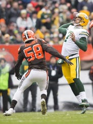 Green Bay Packers quarterback Brett Hundley (7) throws