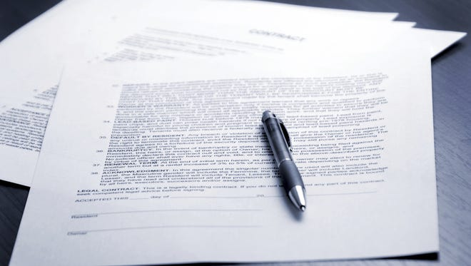 FILE ART - contract signing