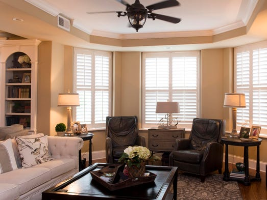 Couple happily trade texas 39 burbs for downtown knoxville condo for Living room channel 9