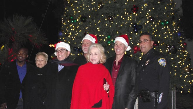 Tim Bradley, Jr., Ginny Foat, Mayor Robert Moon, J.R. Roberts, Nelda Linsk, Geoff Kors, Police Chief Bryan Reyes.