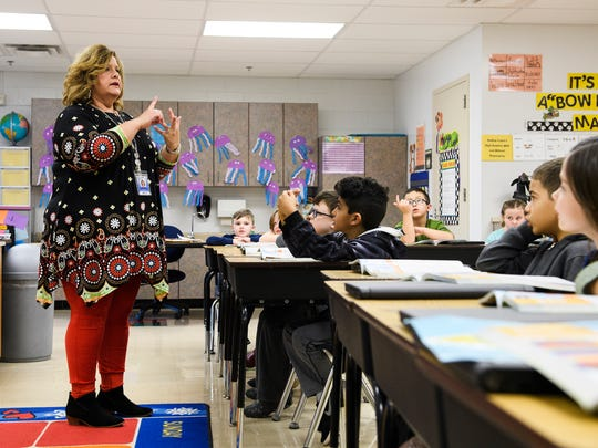 Stephanie Johnson instructs her second grade students at Plain Elementary School in Simpsonville on Thursday Jan. 25, 2018.