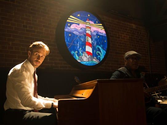 Ryan Gosling is aspiring jazz pianist Sebastian in